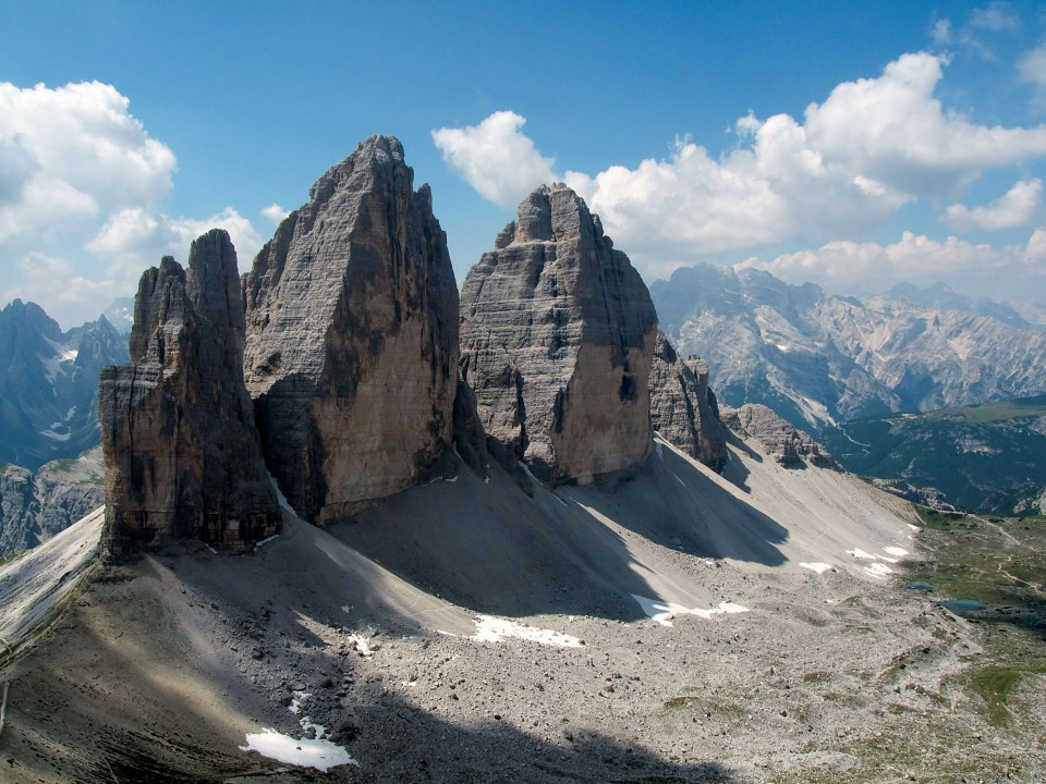 via_ferrata_on_the_dolomites_mountains009-1558100522